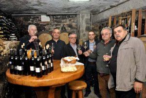Gosti iz Hercegovine u obilasku podruma vinarije Mihalj iz Kutjeva